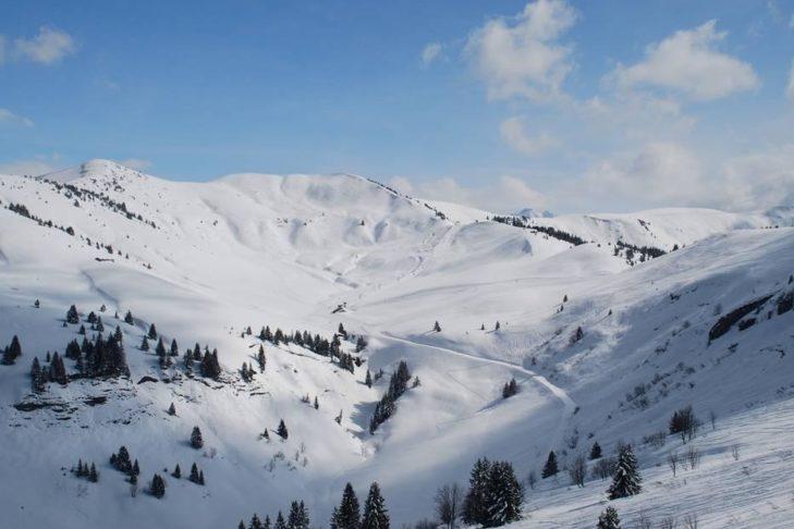 Schneefans können sich im Skigebiet Espace Diamant auf rund 200 Pistenkilometern auspowern.