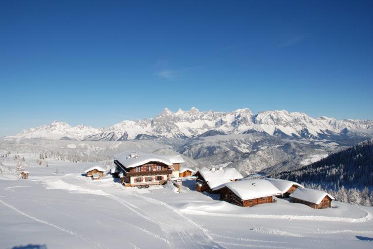 Skigebiet Schladming-Dachstein: Gemütliche Berghütten mit toller Aussicht laden auf der Reiteralm zur Einkehr ein.