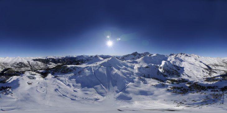 Atemberaubendes Panorama von Serre Chevalier.
