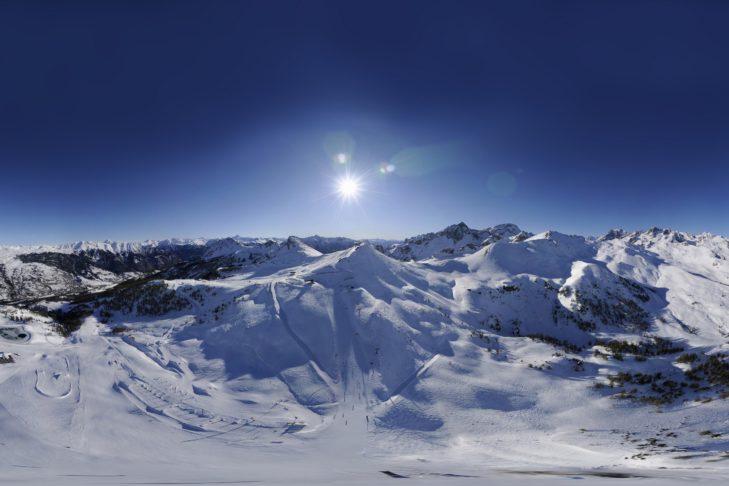 Im Schnitt liegen in Serre Chevalier rund 200 cm Schnee.
