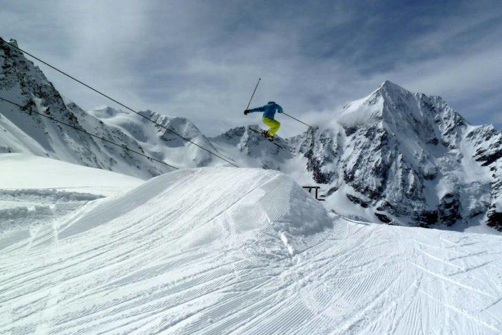 Der Snowpark in Sulden lockt viele Freestyler.