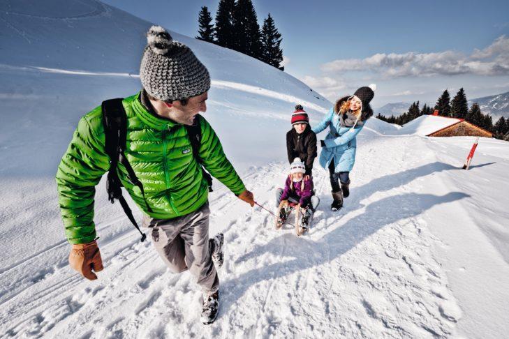 Das Allgäu ist das ideale Terrain für Familien-Rodeln.