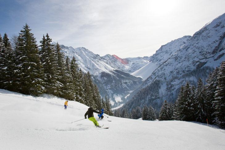 Waldabfahrt im Skigebiet Brandnertal.