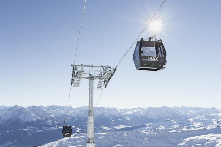 Im Skigebiet Laax geht es bis auf 3.000 m hoch.