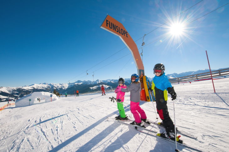 """Buchstabe """"F"""" aus dem Skilexikon: Funslope."""