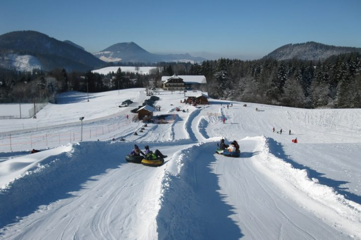Snowtubing-Bahnen in Faistenau.