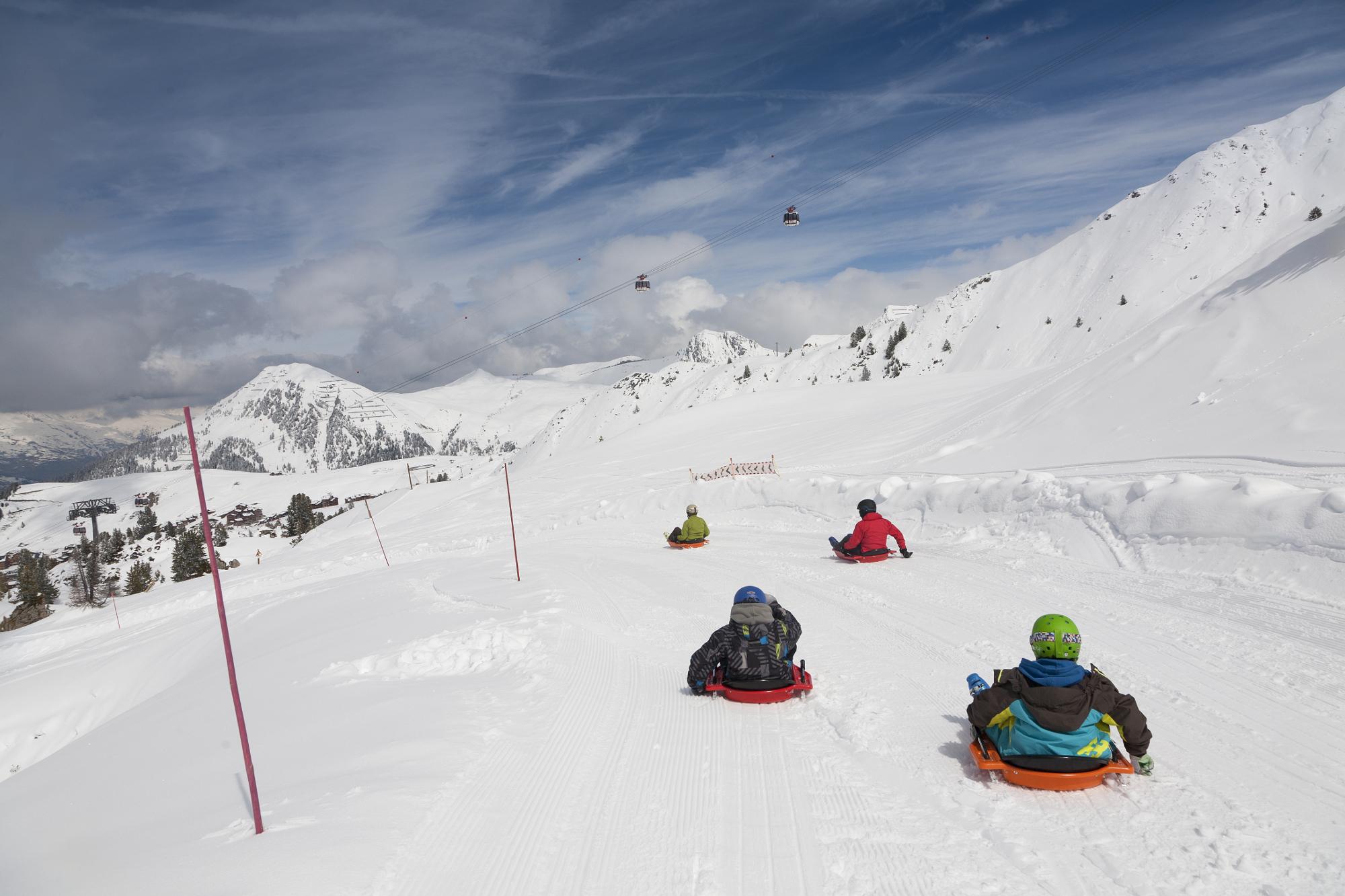 skigebiet la plagne skifahren pistenplan apr s ski. Black Bedroom Furniture Sets. Home Design Ideas