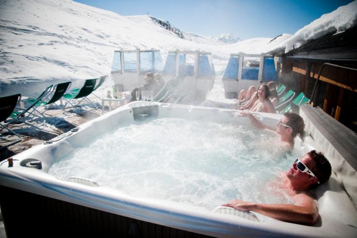 Skigebiet La Printse: Das Wellness-Programm startet in Veysonnaz direkt neben der Piste.