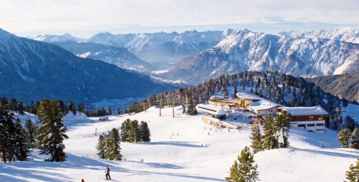 Blick von Hochoetz aus über die Ötztaler Alpen.
