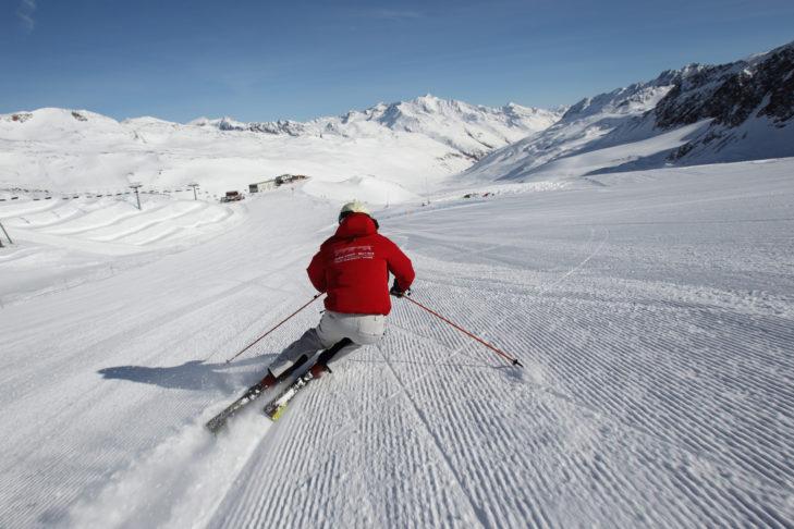 Die breiten Gletscherpisten am Schnalstaler Gletscher sind ideal zum Carven.