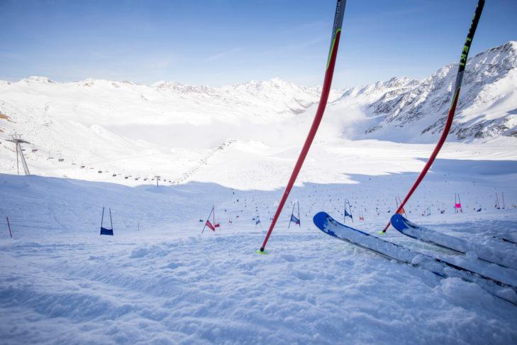 Blick auf das riesige Trainings-Gelände am Schnalstaler Gletscher.