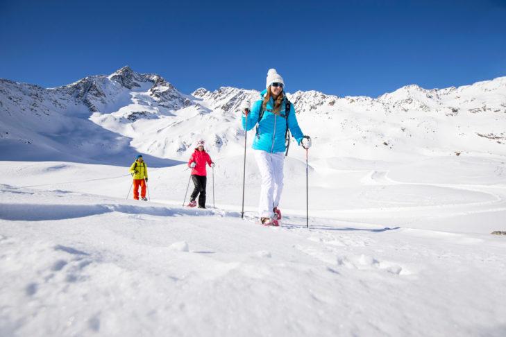 Schneeschuhwandern am Schnalstaler Gletscher ist ein Erlebnis.