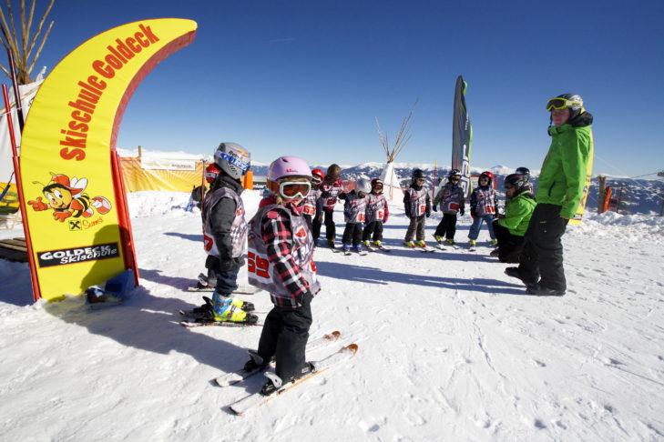 Skischul-Gruppe im Kinderland am Goldeck.