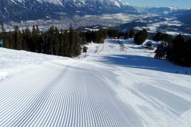 Skigebiet Götzens: Blick über die Piste.
