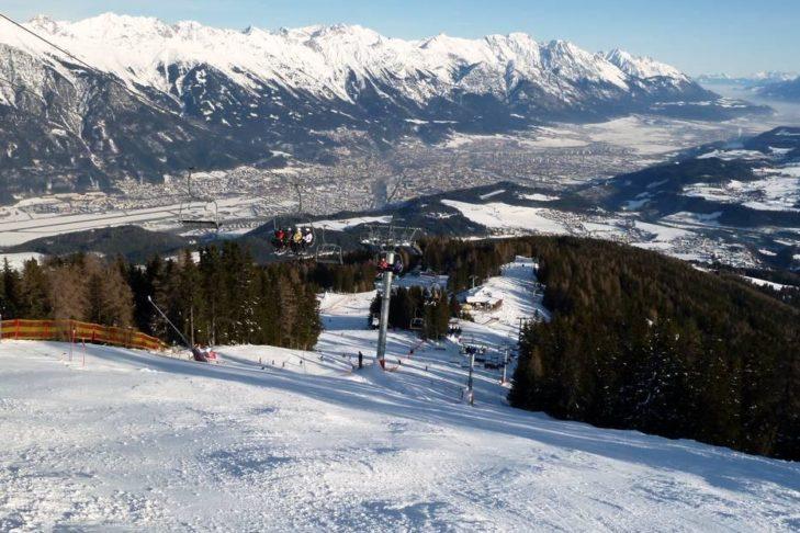 Skigebiet Muttereralmpark: Blick auf die umliegende Bergwelt.