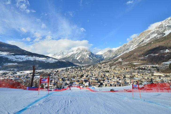 Blick von oben auf die Weltcup-Strecke in Bormio.