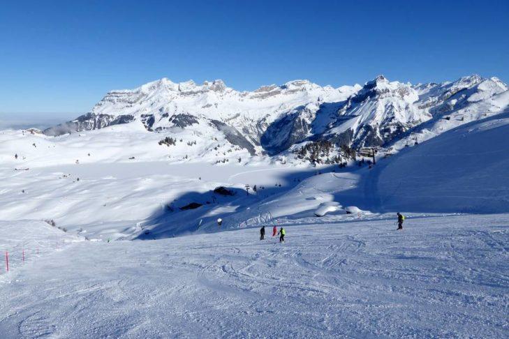 Breite Pisten im Skigebiet Engelberg-Titlis.