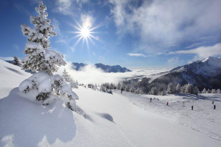 Schneereiche Pisten unter der italienischen Sonne.