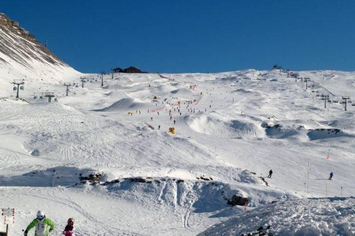 Im Skigebiet Madonna di Campiglio erwarten Wintersportler 60 Pistenkilometer.