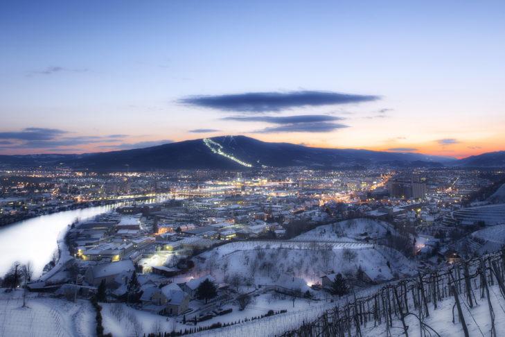Abendlicher Blick über die Stadt Maribor.