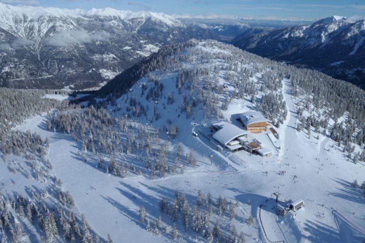 Luftaufnahme der Bergstation von Marilleva.