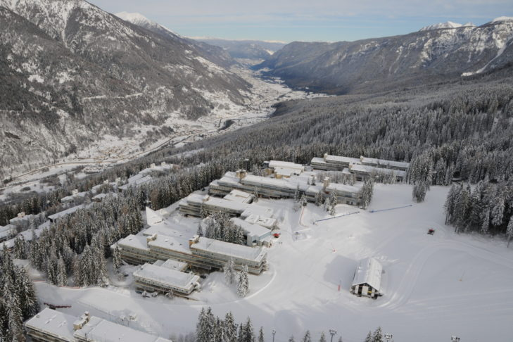 Luftaufnahme der Skistation Marilleva.