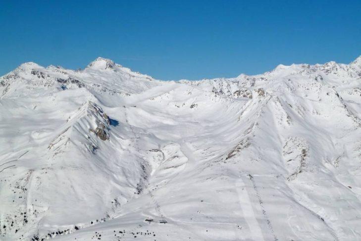 Weitläufige Pisten garantieren im Skigebiet Adamello Ski Schneevergnügen pur.