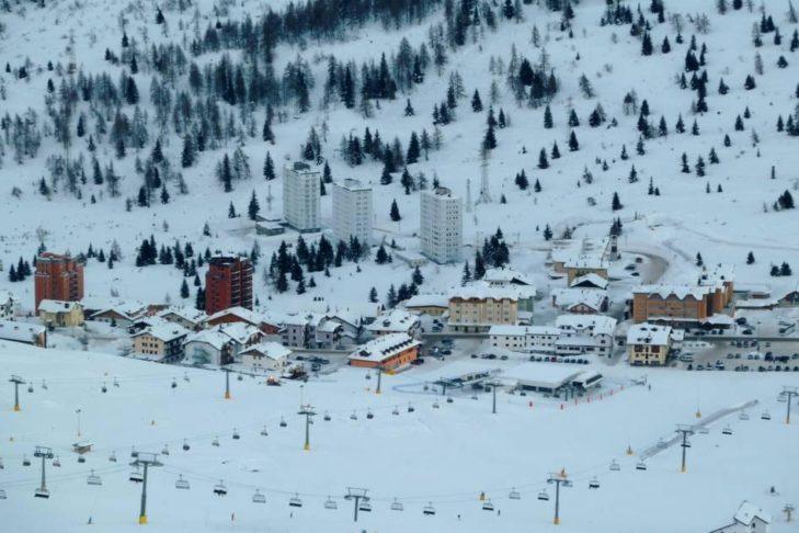 Skigebiet Adamello Ski: Blick auf das Tal.