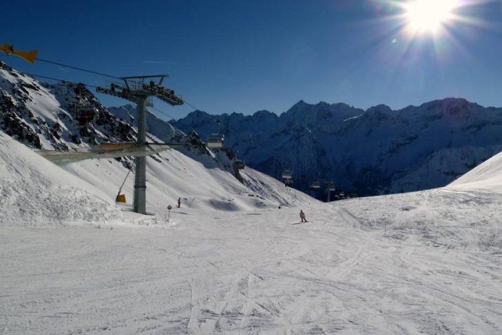 Das Skigebiet Adamello Ski erstreckt sich auf über 3.000 m Höhe.