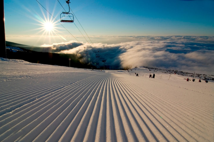 Bestens präparierte Piste im Skigebiet Tatranská Lomnica.