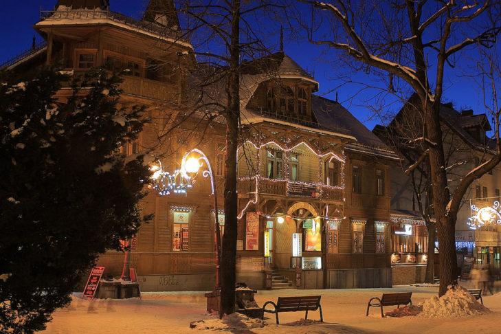 Abendliche Idylle rund ums Skigebiet Kasprowy Wierch.