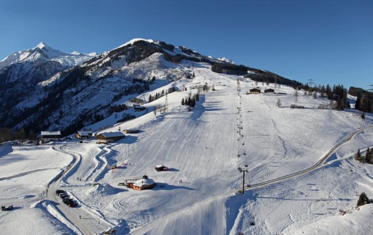 Blick über die Piste im Skigebiet Schmittenhöhe bei Zell am See