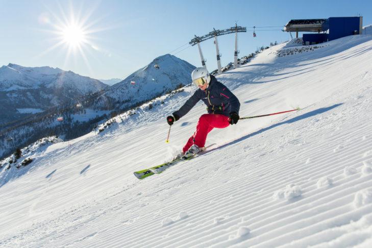 Skifahrer im Skigebiet Christlum.