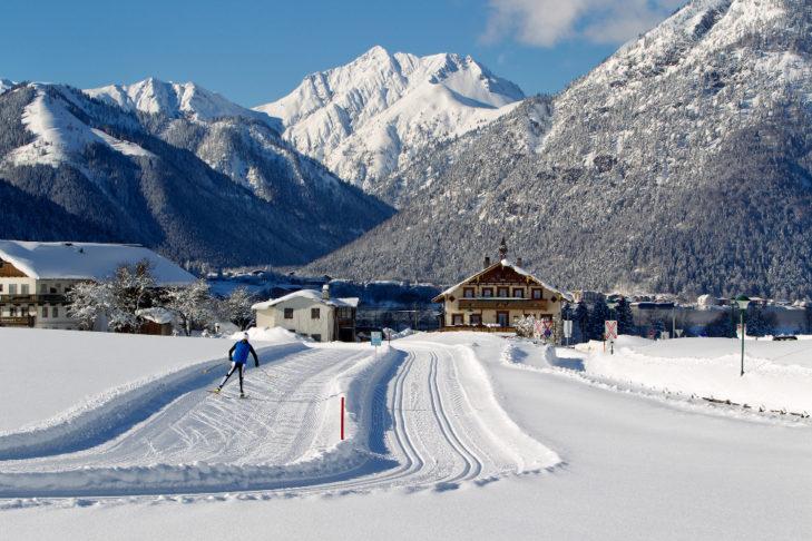 Doppelt gespurte Loipe und Skating-Strecke im Achental.