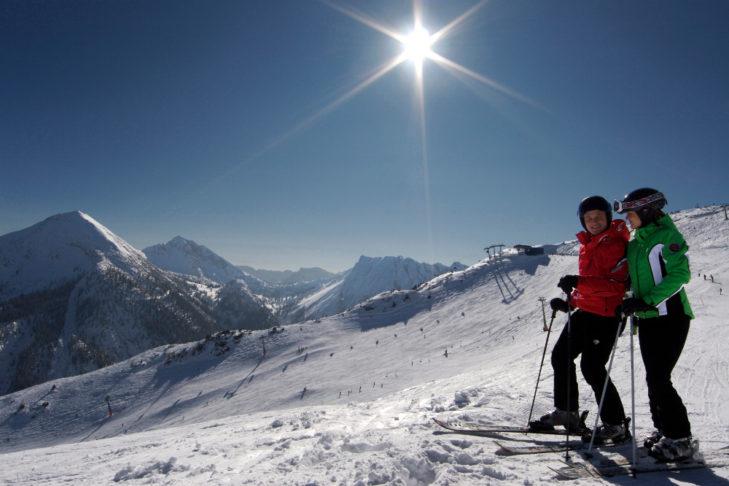 Ausblick von der Seekar Spitze auf 2.053 m auf das Skigebiet Christlum.