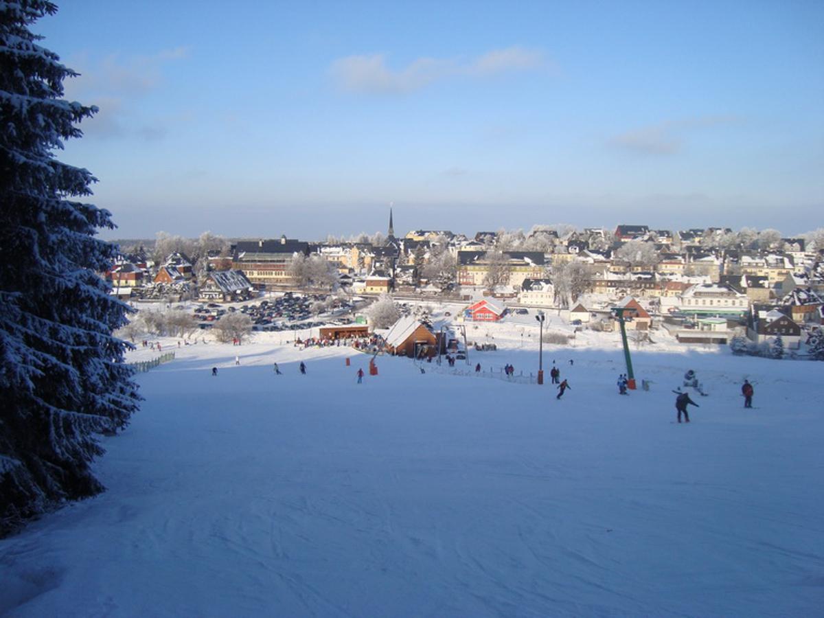 skigebiet altenberg skifahren pistenplan apr s ski. Black Bedroom Furniture Sets. Home Design Ideas