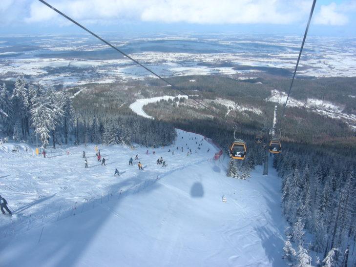 Atemberaubender Blick vom Skigebiet SKI & SUN Świeradów-Zdrój aus.