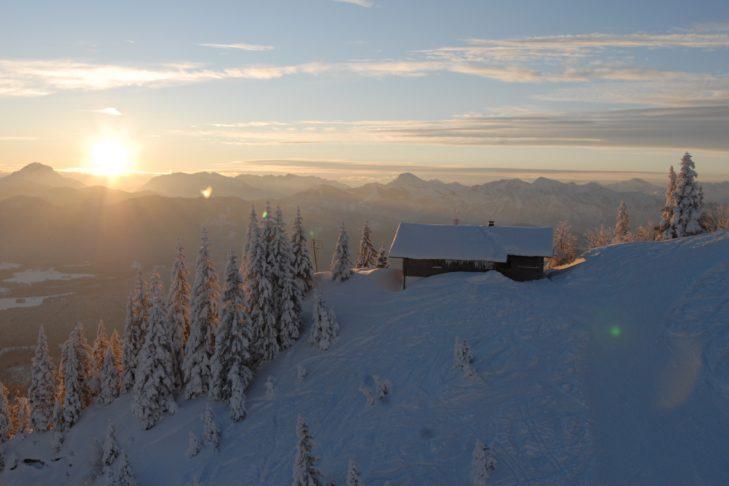 Skigebiet Brauneck-Wegscheid: Abendstimmung bei Lenggries.