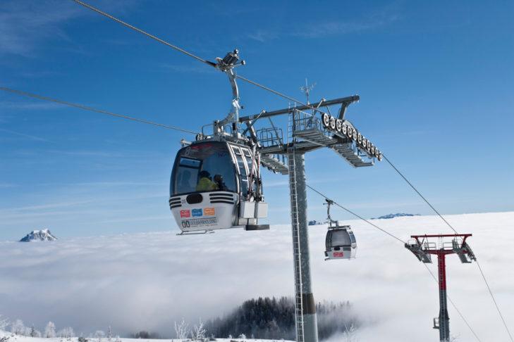 Im Skigebiet Feuerkogel geht es auf rund 1.600 m hoch.