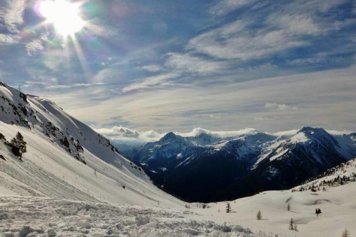 Das Skigebiet Isola 2000 hält traumhafte Blicke über die französischen Seealpen bereit.