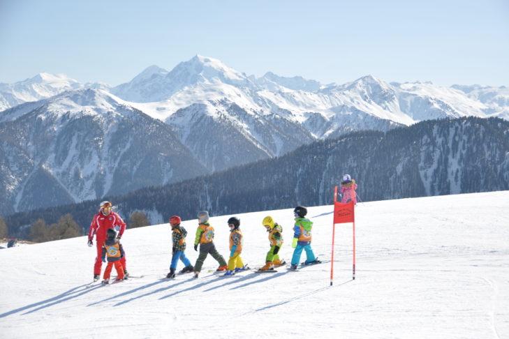 Kinderskikurs im Skigebiet Watles.