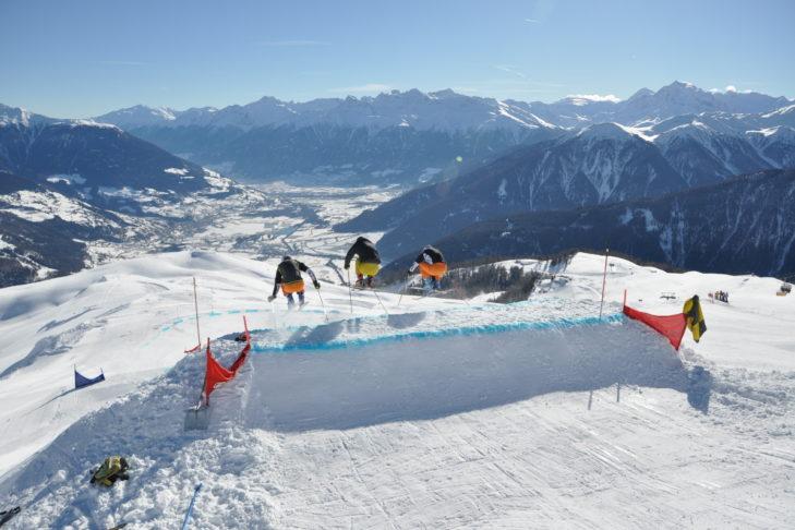 Auch Freestyler kommen im Skigebiet Watles auf ihre Kosten.