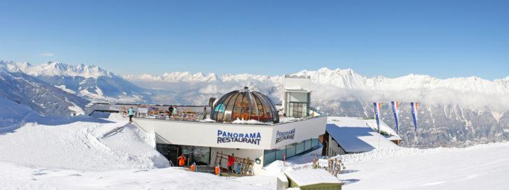 Skigebiet Patscherkofel: Panorama-Restaurant an der Bergstation.