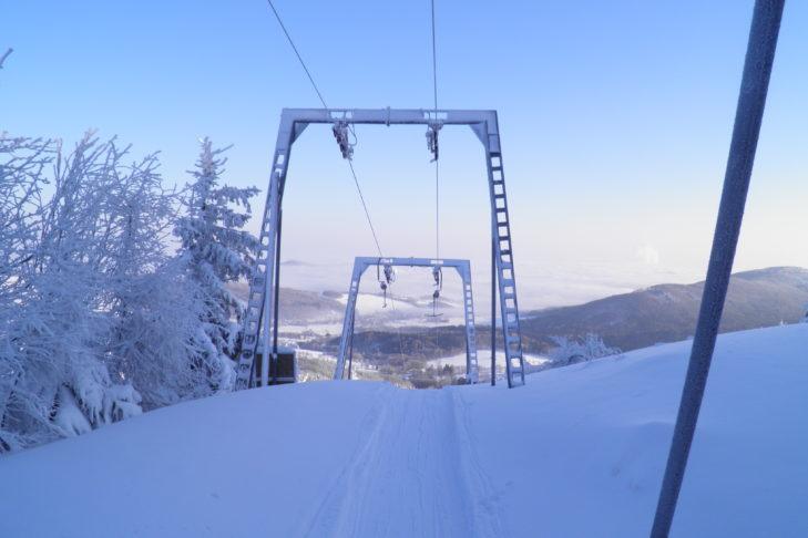 In den Lausitzer Bergen befindet sich das kleine Skigebiet Jedlová bei Rumburg.