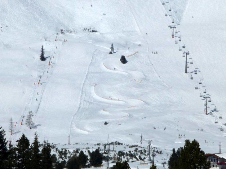 Im Skigebiet Skiregion Oberlungau geht es auf bis zu 2.400 m hoch.