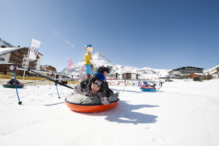 Skigebiet Silvapark: Reifenkarussell im Kinderland.