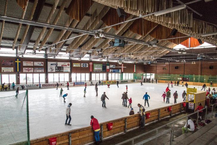 Die große Eishalle in Waldkirchen.