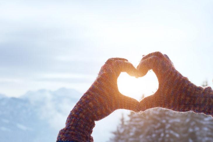 Romantik pur: Die Sonne über den Berggipfeln.