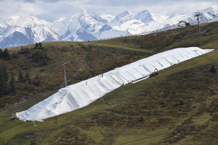 Snowfarming: So übersommert der Schnee im Skigebiet Kitzbühel.