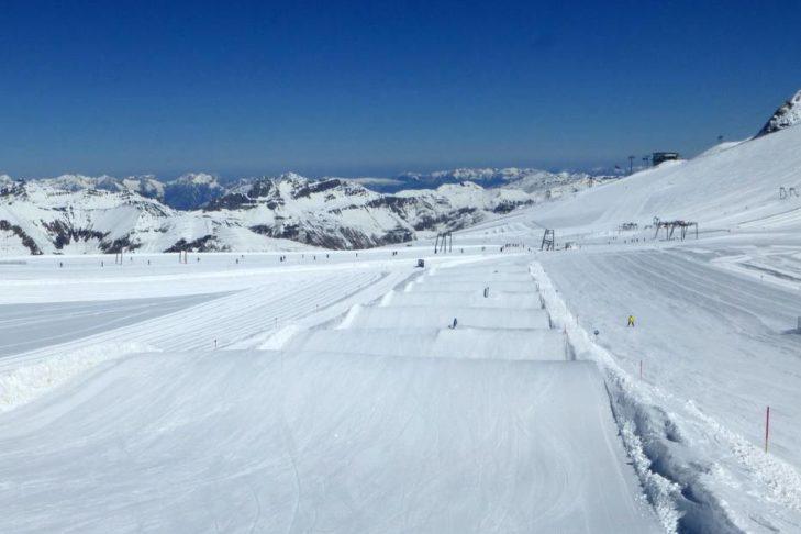 Der Snowpark im Skigebiet Ski- & Gletscherwelt Zillertal 3000 verspricht Spaß.